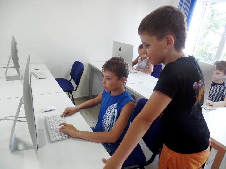 Летние интенсивные курсы  в IT-школе СМАРТ