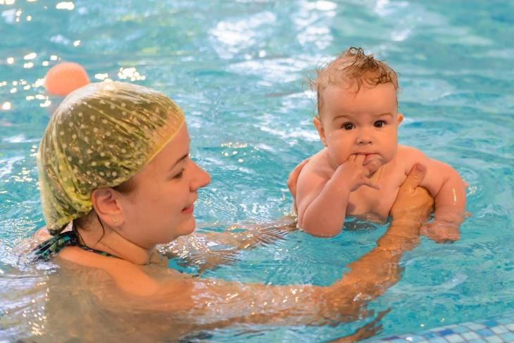 Грудничковое плавание с рождения и до 5 лет