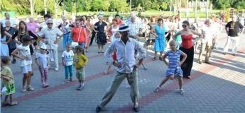 Культурно-развлекательные мероприятия на площадках возле Дворцов культуры
