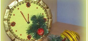 Новорічний годинник з цукерок