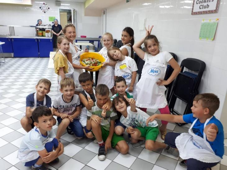 """Детский лагерь языкового развития """"Мрія"""""""